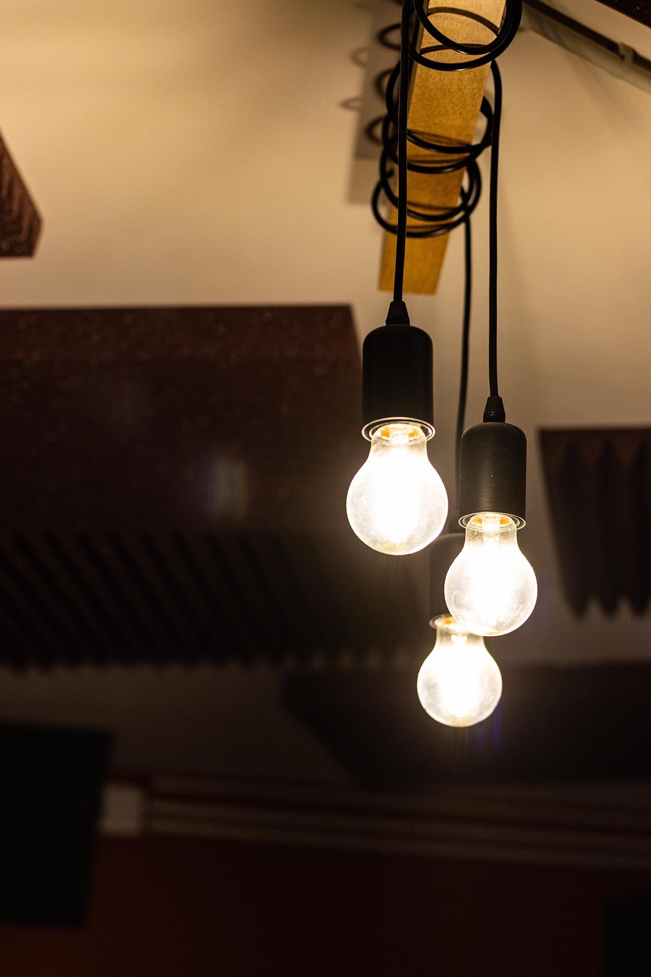 Studio d'enregistrement OHM - lampes © Droits réservés - Photographie : Maelwenn LEDUC