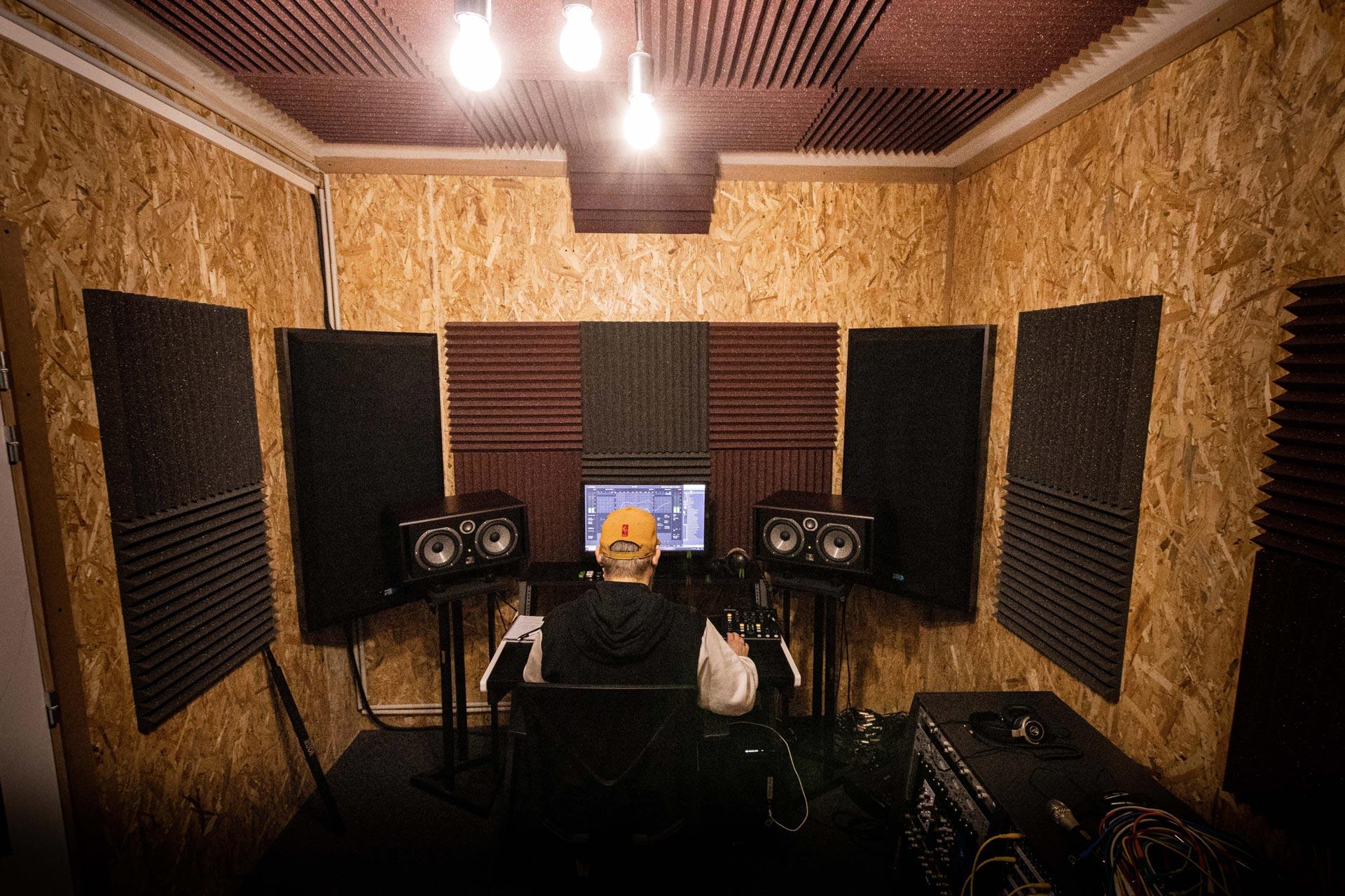 Studio d'enregistrement OHM - station © Droits réservés : Maelwenn LEDUC